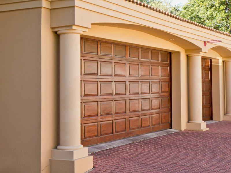 real-estate-374190_1920