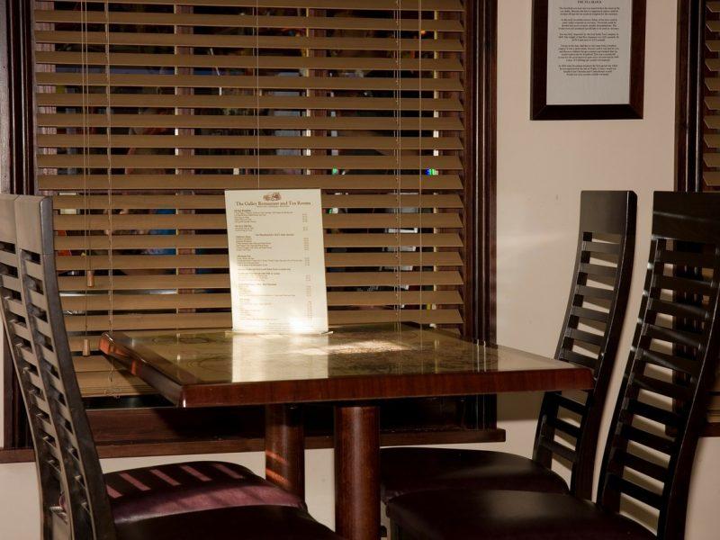 restaurant-220409_1280