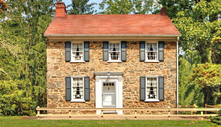 Ravelement d'une maison en pierre
